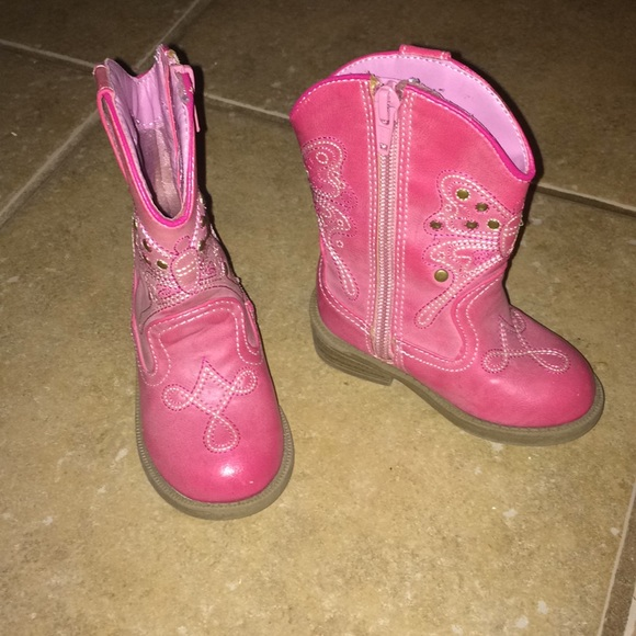 d2162c954a2 Absolutely adorable pink cowgirl boots